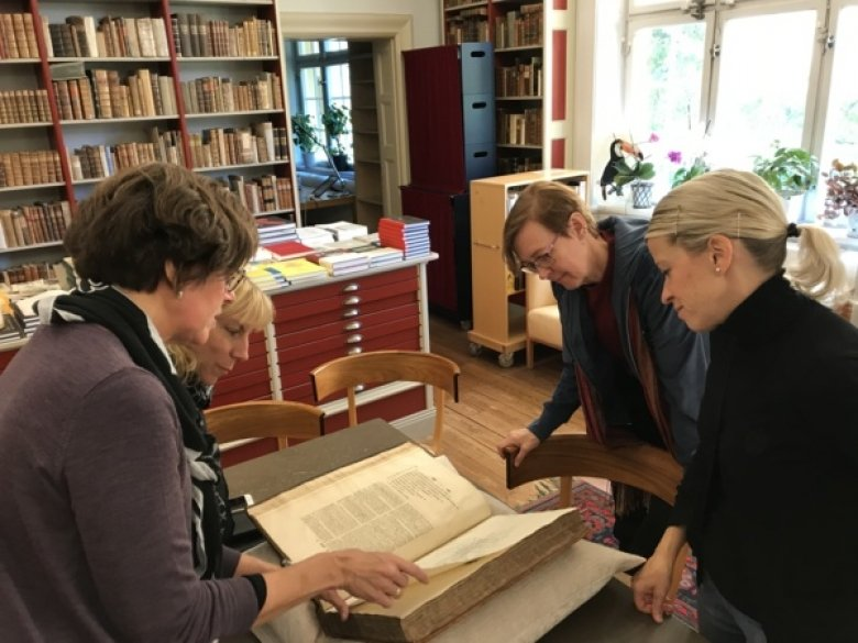 Showing of rare books at the Hagstromer Library.